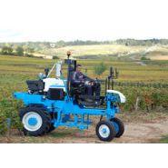 LCC60 - Tracteur enjambeur - Bobard - à 2 roues motrices arrière avec 2 moto-réducteurs à cylindrée variable