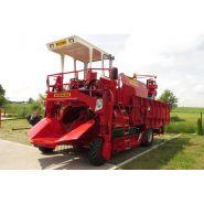 Récolteuse à baies victor - weremczuk - productivité 0.3 à 0.6 ha/h - vitesse de travail max 2 km/h
