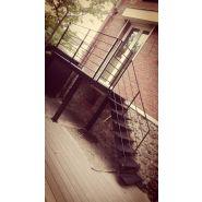 Escalier droit acier avec plateforme