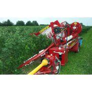 Récolteuse à framboises natalka - weremczuk - puissance minimale requise 35 hp - productivité 0.1 à 0.15 ha/h