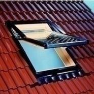 fenetres de toit tous les fournisseurs fenetre de toit simple vitrage fenetre de toit. Black Bedroom Furniture Sets. Home Design Ideas