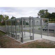 Abri fumeur type 12 / structure en aluminium / bardage en verre securit / cendrier / 5 x 3.77 m