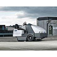 Sw8000 - balayeuse de voirie - nilfisk - 400 litre