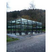 Abri fumeur type 15  / structure en amuminium / bardage en verre securit / cendrier / 6.23 x 3.77 m