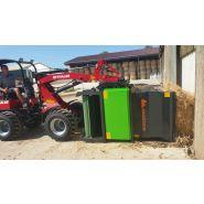Cubic Master Pailleuse agricole - Juraccessoire - sur valet de ferme de 48 Cv