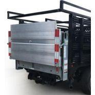 C2 Stakebed & Van Body - Hayon élévateur - Maxon - pouvant soulever jusqu'à 1600 lb