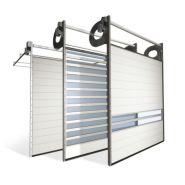 Porte sectionnelle industrielle helix / s600 / automatique / repliable en plafond / vitrée / en panneau sandwich / avec portillon / isolation thermique