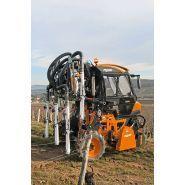 130 - Tracteur enjambeur - Pellenc - Léger et maniable