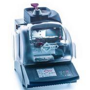 Triax pro machine à clé à points et laser - silca sa - poids 51,5 kg