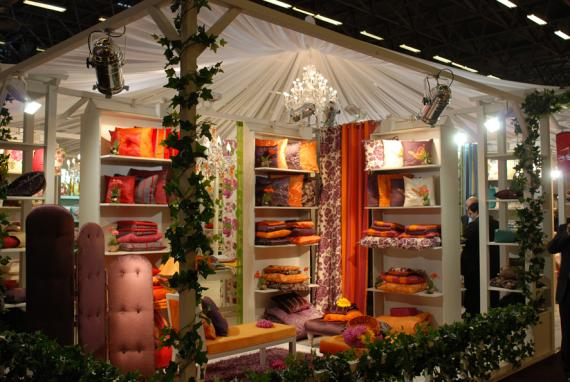 J l 39 expo sur for Menuiserie stand exposition