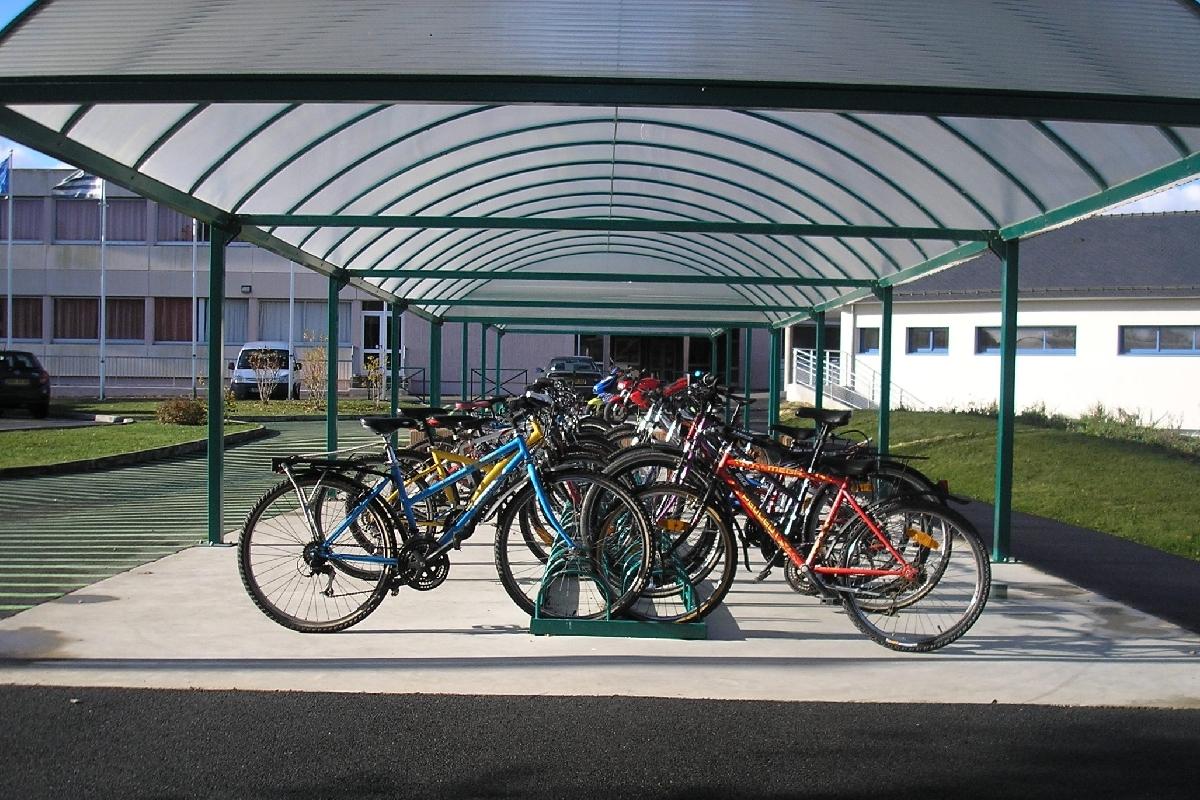Fabriquer Un Abri Pour Velo abri vélo semi-ouvert série at / structure en acier