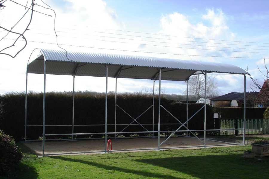 Abri camping car ouvert essentiel / structure en acier / toiture arrondie en plastique