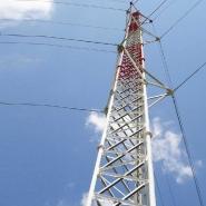 Tour de télécommunication d'acier au mât haubané fil