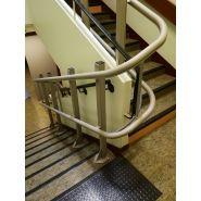 Plateforme monte-esacliers (pour escaliers tournants) artira