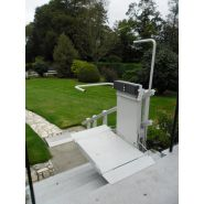 Plateforme monte-escaliers (pour escaliers droits) logic