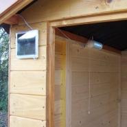 703 - toilettes sèches en bois massif certifié - panneaux 16mm + plancher