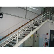 Escalier industriel - omnimetal - hauteur de marches environ 170mm