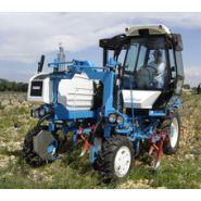 637 - Tracteur enjambeur - Bobard - à 4 roues motrices à transmission hydrostatique