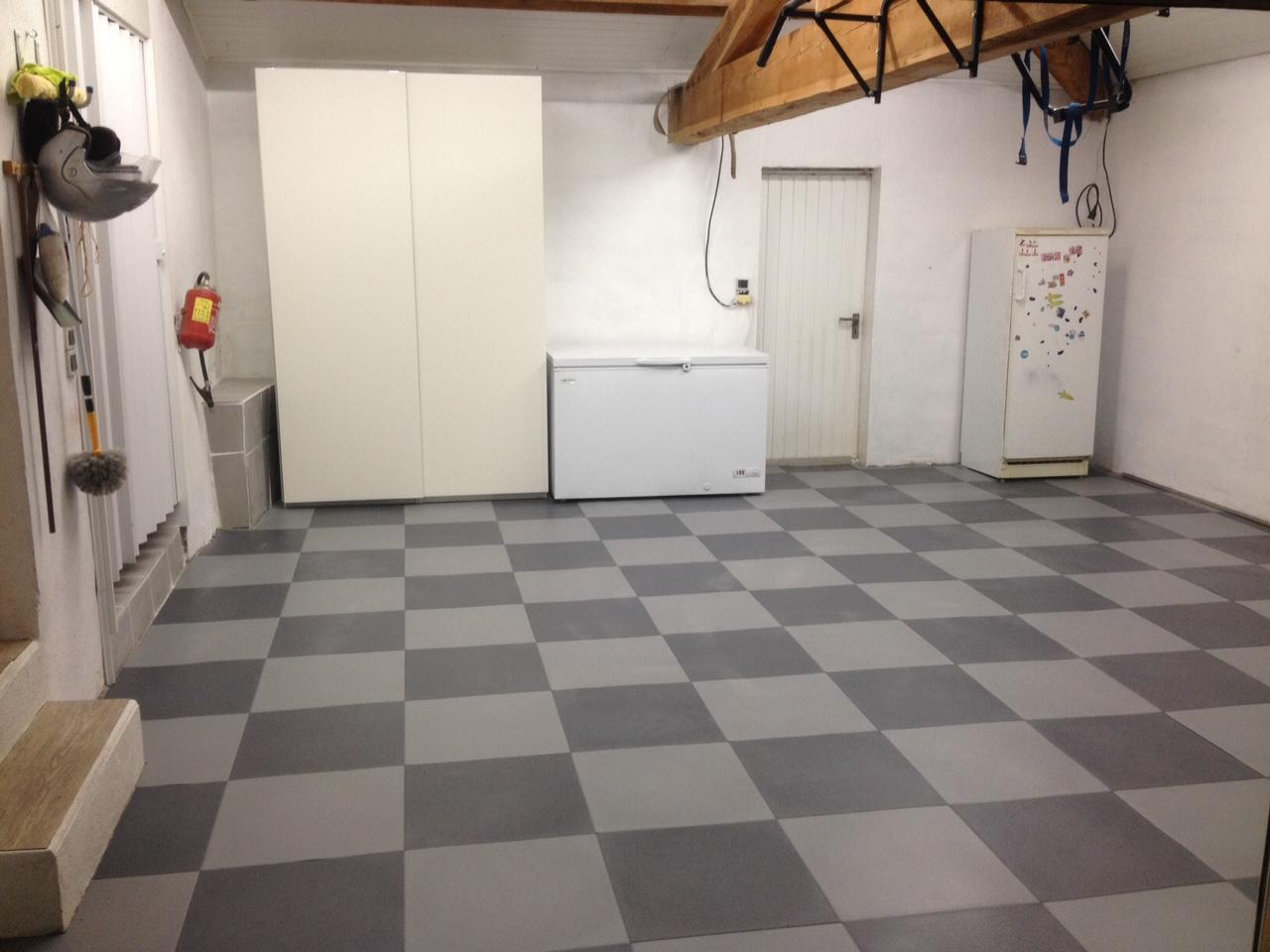 Dalle sol pvc garage particulier for Dalles pvc sur carrelage sol