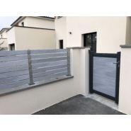 Horizon - clôture pvc/aluminium ajourée - la clôture française - matières utilisées : lisses pvc ou aluminium inox, aluminium et polyéthylève haute densité